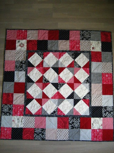 Alice quilt finished
