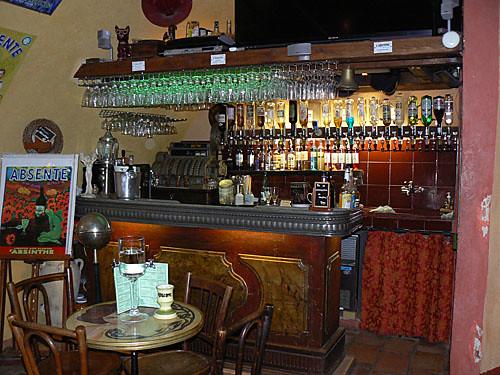 bar à absinthe.jpg