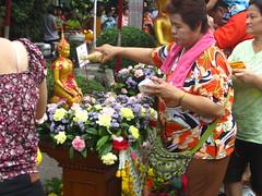 Songkran: at the Reclining Buddha