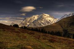[フリー画像] 自然・風景, 山, アルプス山脈, フランス, 201104261900