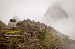Macchu Pichu (Kenneth Moore Photography) Tags: peru fog nikon pichu macchu d90