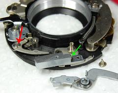Rolfix Prontor-S uncovered (14) (Hans Kerensky) Tags: spring pin release s inner size remove shutter washer gauthier lever franka rolfix prontor m280 auslshebel 0257u98 auslsstift 0257122