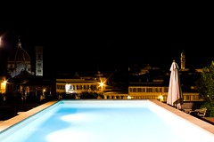 Veduta notturna di Firenze (Andri92) Tags: blue light sky tower clock pool night canon florence torre blu tetti piscina roofs cielo cupola dome firenze luci orologio notte brunelleschi eos550d