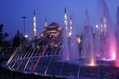 Blue hour at the Blue mosque, Istanbul (catarinamaria) Tags: blue water fountain turkey eau brunnen istanbul mosque turquie fontaine bleue mosquée blaue moschee