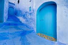 Doors and Stairs (Beum Gallery) Tags: africa door blue mountain stairs montagne doors bleu morocco maroc maghreb porte chaouen chefchaouen rif afrique escaliers portes xaouen chauen mountaincity  xauen  oldmedina        villeperche  accawn anciennemdina