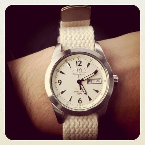 仕事用の時計を衝動買いしました。