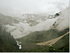 Naran ((s@jj@d)~`~DiL~AwAiZ~`~ Back) Tags: pakistan sky cloud lake bird eye love nature beautiful beauty clouds river asia moments time pakistani moment lover lovely syed past kaghan nwfp pabbi shah dil naran sajjad nowshera chirat awaiz dilawaiz jhail