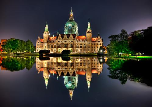 [フリー画像] 建築・建造物, 宮殿・城, 夜景, ドイツ, 201105300100