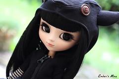 Mina (pullip Ddalgi) (pure_embers) Tags: uk black cute hat garden hoodie doll dolls eyelashes gothic goth ears mina hood pullip obitsu ddalgi mottee ixtee