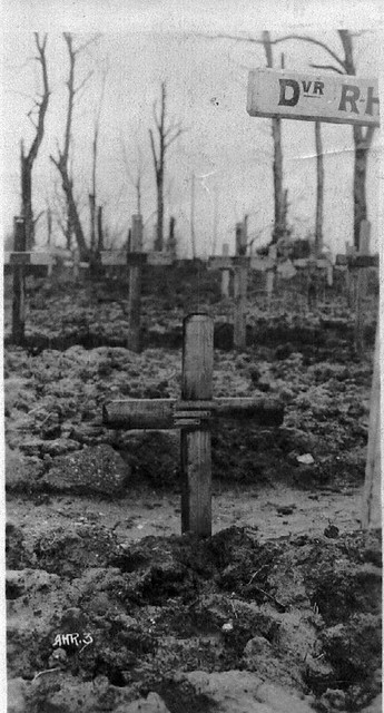 walters-grave-1917