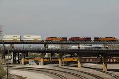 East on top.. West down below.. (Machme92) Tags: railroad up union rail trains bn rails ge bnsf railroads units emd railfanning railfans unionpacifc burligrton
