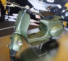 vespa-01 (tz66) Tags: automobilausstellung kaiser franz josefs hhe motorroller vespa v13