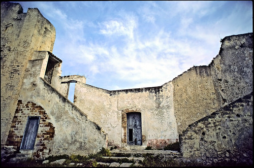Abandoned monastery Sta. Maria di Tremiti - Copyright by Martin Liebermann