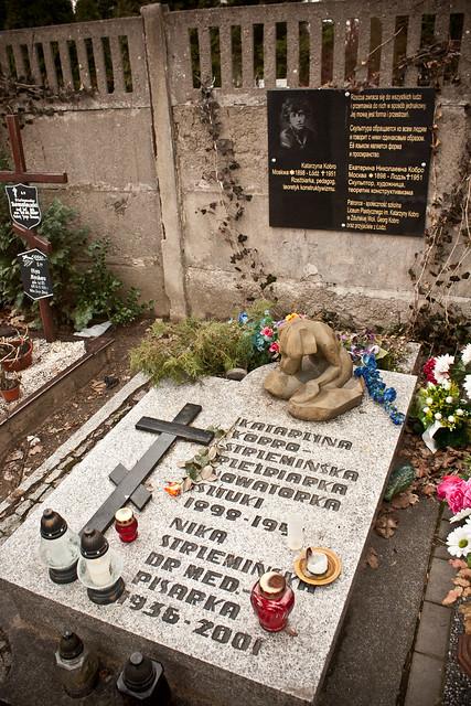 grób Katarzyny Kobro