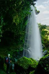 Una ducha en el paraso./A shower in paradise. (Oscar Martn Antn) Tags: espaa waterfall spain silk salamanca seda cascada arribesdelduero pereadelaribera pozoairn