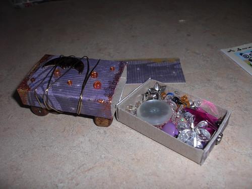 recd amigirl swapbot inside box