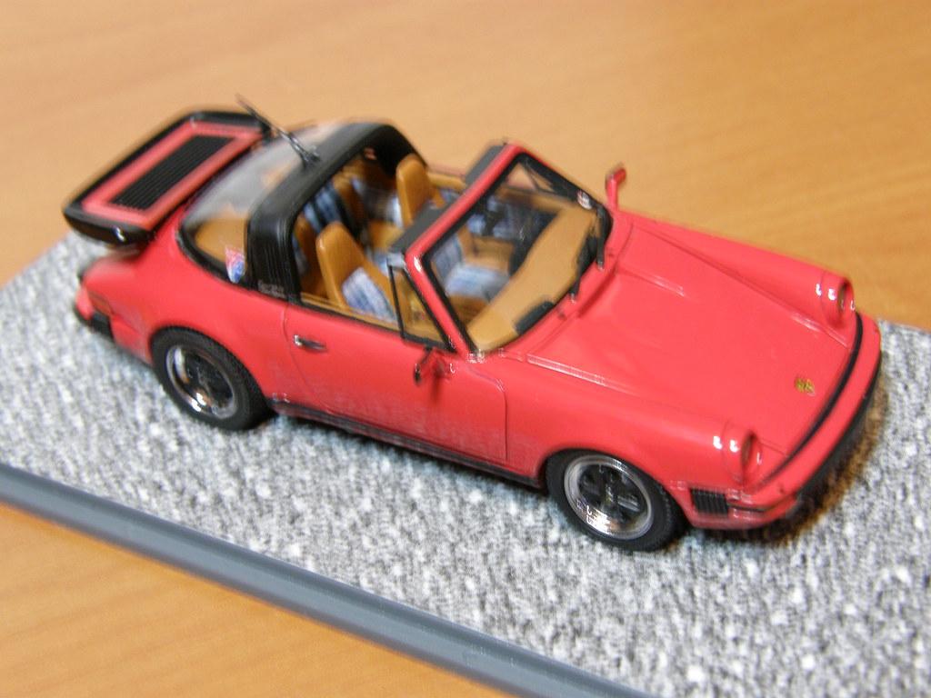1:43 scale 1976 Porsche 911 Carrera Targa 3.0 sportsmatic in red.