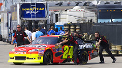 Checking it out (Robert.Rich) Tags: jeffgordon nascar texasmotorspeedway sprintcup samsungmobile500