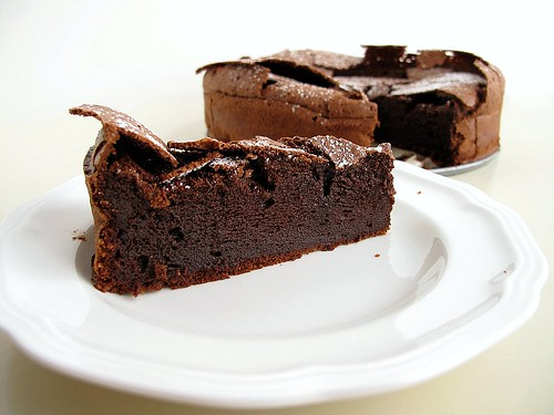 flourless chocolate cake slice
