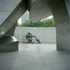Shanghai (arndalarm) Tags: china sculpture analog mediumformat iso100 memorial shanghai kodak seagull skulptur multipleexposure analogue   shanghaiist tripleexposure  denkmal huangpu peoplessquare  mittelformat  dreifachbelichtung mehrfachbelichtung arndalarm  zhnggu ektar100 rnmngungchng  11290121akleinweb