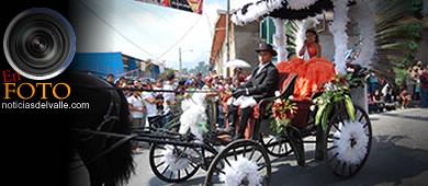 Desfile inaugural de feria departamental 2011