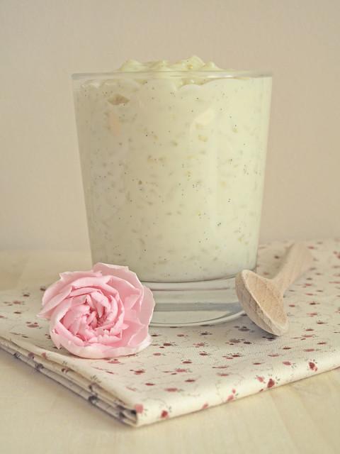 Pudding dolce al limone e vaniglia