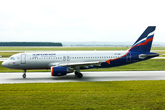 Aeroflot - Russian Airlines - VP-BWF - Airbus A320-214 (Oscar von Bonsdorff) Tags: paris france canon studio airplane russia aircraft kitlens aeroplane airbus pro su flugzeug avin charlesdegaulle photographing avion afl a320 320 xsi cdg canon1855 vliegtuig aeroflot flygplan   aeroplano canon1855mm lentokone a320200 samolot airbusa319 uak lfpg flugvl  1855lens a319111 450d 320200 canon1855is lennuk  russianairlines cfmi vpbwa 319111 canonefs1855mmf3556is  davya sprokofiev letoun fastvingefly cfm565b53 a32s aroplanum oscarvonbonsdorff msn2052 serialnumber2052 gettyimagesfinlandq1 wwwaeroflotcom