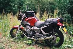 Moto Guzzi Breva 750ie (JPC24M) Tags: bike moto motorcycle vtwin motoguzzi bagage guzzi breva valise roadster sacoche 750 750cc accessoire chargement bécane breva750 bagster bicylindre motoguzzibreva bicylinder