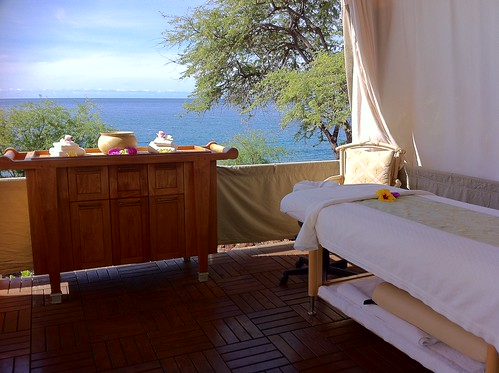 Oceanside Hale at Four Seasons Spa at Manele