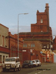 What was the mystery building? (philipgmayer) Tags: liverpool pub coburg 1992 demolished 1000 toxteth 1891 stanhopestreet