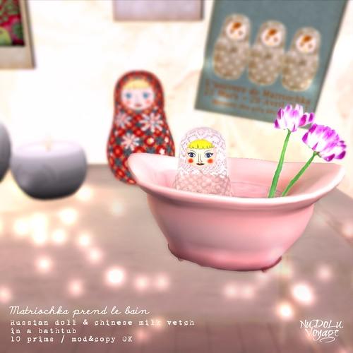 Matriochka prend le bain AD