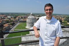 2011 - Juan on the Torre pendente di Pisa 44 (cooldogphotos) Tags: italy pisa leaningtower torrependente piazzadeimiracoli piazzadelduomo juancarlosfernndez