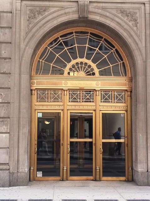 Royal Insurance Company Building, 1927, entrance