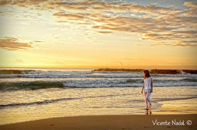 niña comunión playa amanecer 05 fotos nadal