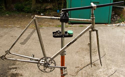 Parts bin single speed- Taking the bike apart
