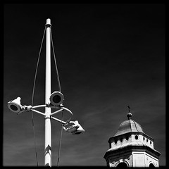 98365NBC (Pierre D. Photographiste) Tags: mer port square nbc pentax ciel 365 carr noirblanc clocher toulon k7 2011 lampadaires pierrediez