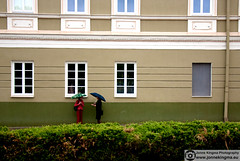 (Just a guy who likes to take pictures) Tags: street old city windows red portrait people urban woman house color colour verde green rot window glass girl lines rain wall architecture female umbrella bag rouge photography europa europe groen fotografie photographie candid fenster centre colorphotography eu talk haus baltic structure line human ramen stadt architektur historical tas frau huis talking rood centrum glas vrouw regen lithuania vilnius stad paraplu architectuur raam muur heg tinto mensen lijnen litouwen kleur historisch lijn structuur colourphotography grun kleurenfotografie