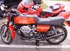 Motos italiennes : Moto Guzzi 850 Le Mans et Ducati Multistrada (JPC24M) Tags: bike vintage italia motorbike classics moto vtwin italie brembo aircooled rétro antivol lafranconi cardan redmotorbike bicylindre carburateur bicylinder motorouge têtedefourche refroidissementparair béquillecentrale 18inchwheel souffletdefourche bicylindreà90° protègecylindre roueàbâton antivolmoto réservoirbiton roue18 couplemoteur bicylindreenv carénagetêtedefourche roue18pouces sellerétro carburateurmoto