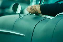 On The Road (Jorge Eduardo Albarracin) Tags: road new york old blue green car rock tattoo out highway driving arm guitar guitarra cyan surfing voiture jorge roll vieille guitare tatuaje bras afuera brazo tatouage dehors albarracin