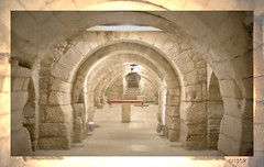 Cripta (druida601) Tags: espaa rojo catedral cripta piedra palencia castillayleon canon450d blinkagain druida601