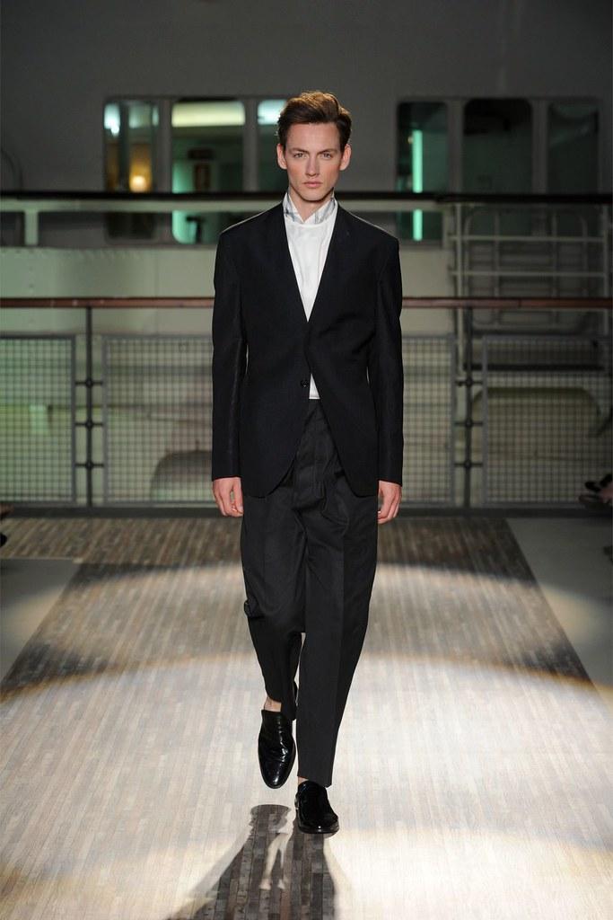 Jakob Hybholt3883_SS12 Milan Gazzarrini(Homme Model)