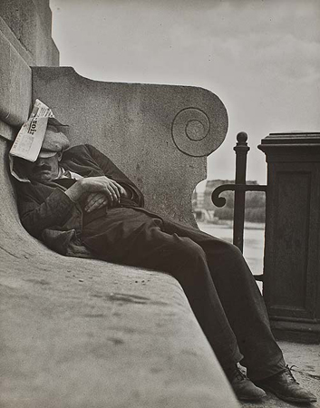 Lisette Model, Sleeping by the Seine, 1933-1940