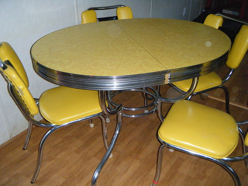 Beautiful Yellow Formica Garage Sale Table