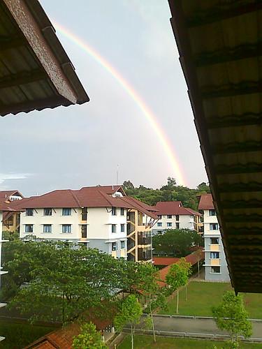 Pelangi selepas hujan