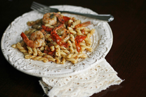 Tomato, Basil and Shrimp Pasta with Manchego Cheese