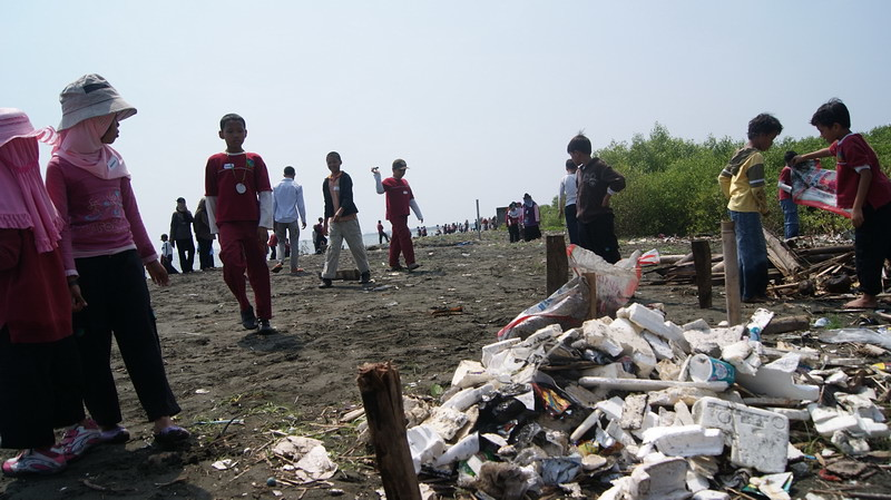 Aksi Coastal Clean Up