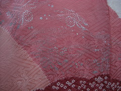 Furisode detail - silver foil carriages (Harumei) Tags: kimono  furisode