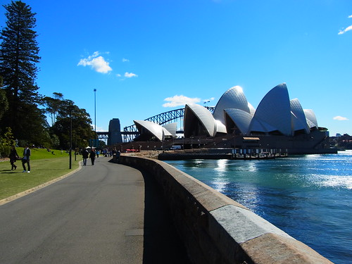 Yet another Opera House and Bridge Shot