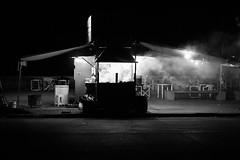 Puerto Madero (Chubakai) Tags: bw black blancoynegro argentina noche buenosaires abril nocturna asado puertomadero carnes 2011 puesto mariodominguez capitalfederal oulala whitebn ltytrx5 oulalacommx chubakai