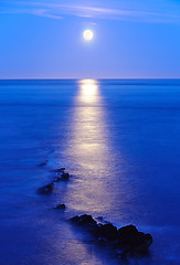 Moonrise - Peveril Point, Swanage (UK) (ryme-intrinseca) Tags: ocean blue sea moon reflection water night point rocks long exposure deep rocky moonrise ledge dorset swanage peveril